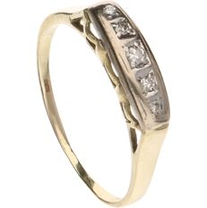 14 kt Yellow gold ring set with 5 brilliant cut diamonds, approx. 0.07 ct in total - Inner size: 17.75 mm