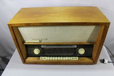 STERN RADIO ROCHLITZ, GDR - JUWEL 2 - Vacuum Tube Radio - rare and functional