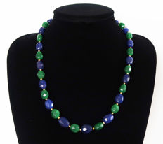 Emerald and facetted sapphire necklace - total length: 56.5 cm - 330 ct