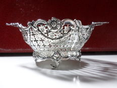 Silver open work chocolate basket, The firm Loven, The Netherlands ca 1920