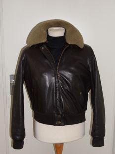 Pauw Amsterdam - Leather Bomber jacket with removable collar