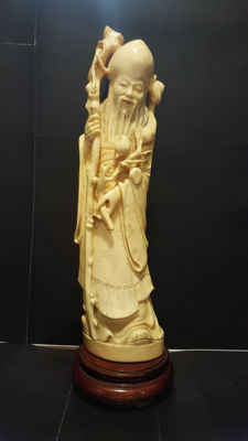 Stunning ivory sculpture representing 'Shou Lao' - China, circa  1900