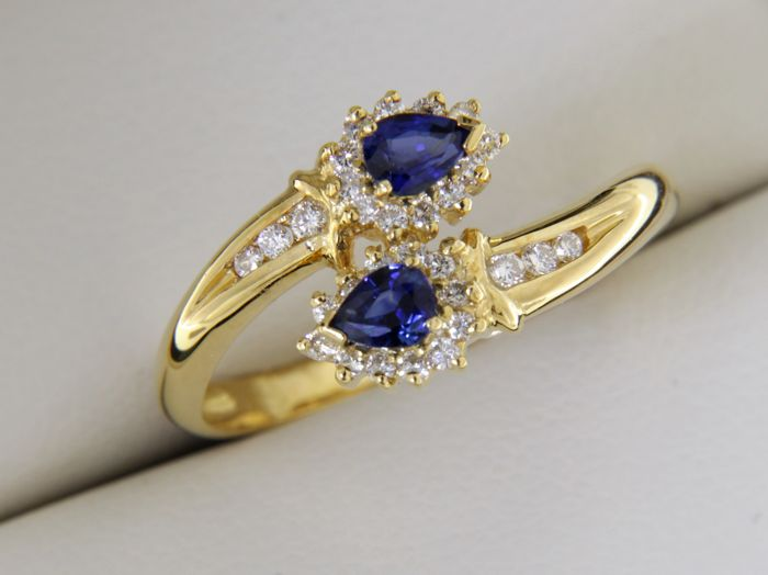 18 kt yellow GOLD ring with Sapphires and Diamonds; Size: 54 - easy to adjust