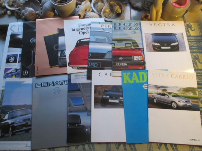 Car brochures (Opel, including Senator/Manta/Rekord/ZV, 15x, 1980s-2000s)