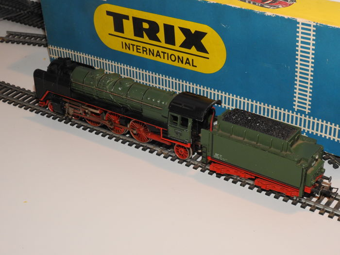 Trix International H0 - 2408 - Locomotiva a vapore - P 3/6 - K.Bay.Sts.B