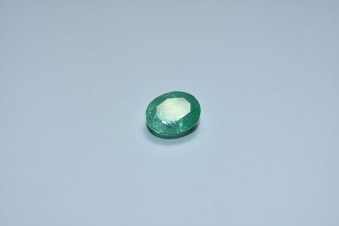 Emerald - Green - 3.45 ct - (No Reserve Price)