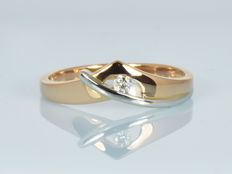 14 kt gold.  Ring.  Diamond of 2.5 mm. Size 55 (ø 17.5 mm)