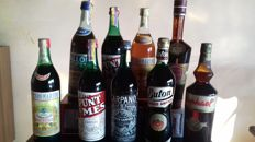 9 bottles - 2xcl 100 Punt&Mes  1xcl.100 Montecarlo cocktail 1xcl 100 Buton Rosso Antico  1x cl.100 Carpano white 1xcl.100 Ballor white 1xcl.100 St.Raphael  1xcl.100 vermouth P.Martini red  1xcl.100 P.Martini vermouth white