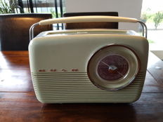 Original Bush Transistor Radio. Model TR82. England 1959.