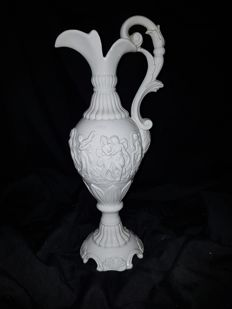 White Ceramic Carafe with Allegorical Female Scenes, entirely Handcrafted by manufacture of Este (PD)