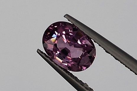 Pink and purple spinel, 1,54 cts