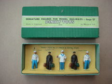 Dinky Toys - Scale 1/48 - Miniature Figures. Train and Hotel staff. No.5