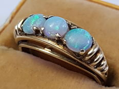 14 kt ring with natural opal cabochon - cut, first half of the 20th century