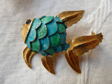 Two lovely fish brooches – Unsigned Schrager and  signed ©J.J. for Jonette Jewelry
