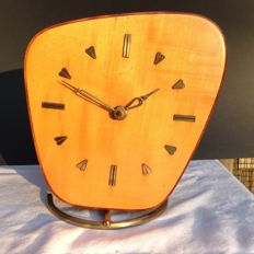 Wuba - Electric Wooden Clock