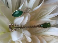 Silver set of ring with jade and brooch with jade / 9.8 g - size 19