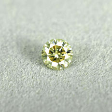 Fancy greenish Yellow Diamond - 0.24 ct, VS2