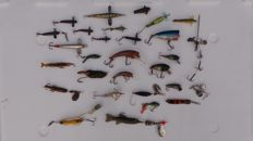 A large lot with 29 pieces of old lures for pike and perch, branded DAM Flopy Rublex Mepps lures