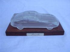 Porsche paperweight on wooden base - 2nd half 20th century - base size 20x9cm - car size 8x 17.5 cm