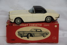 Bandai, Japan - scale 1/32 - Chevrolet Corvette Coupe - 1960s