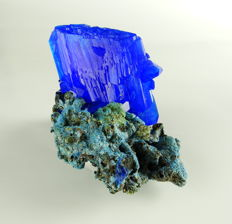 Large blue Chalcanthite Crystals, laboratory-grown - 13,0 x 9,0 x 8,0 cm - 242 gm