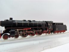 Minitrix N - 2076 - Steam locomotive Series BR01 with tender of the DB, with silver boiler rings