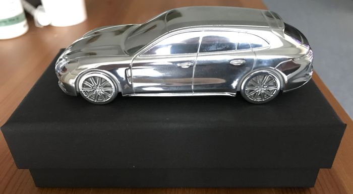 PORSCHE PANAMERA SPORT TURISMO 2018 - paperweight - solid - model car - paperweight