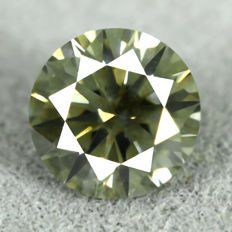 Diamond 0.53 ct, VS2 – Vivid Yellowish Green -