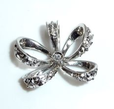 Pendant made of 18 kt / 750 white gold 1 diamond of 0.02 ct in bow shape from Italy *no reserve price*