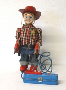 Yonezawa, Japan - height cm 28 - Marshall Wild Bill - wire-controlled tin toy - automaton - 1950s