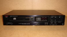 Luxman CD Player Type: D-90