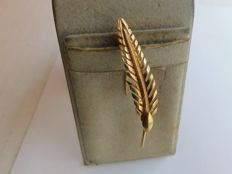 Brooch in 18 kt yellow gold, 2.2 g, 1960s
