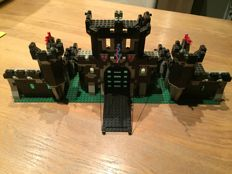 Castle -  =6085-1 - Black Monarch's Castle