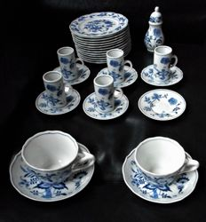 Blue Danube, 29-piece crockery, cups and saucers, plates, etc.