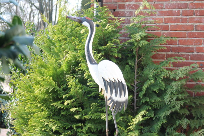 Large old heron, fully metal with spring wings and bracket, 125 cm high - late 20th century