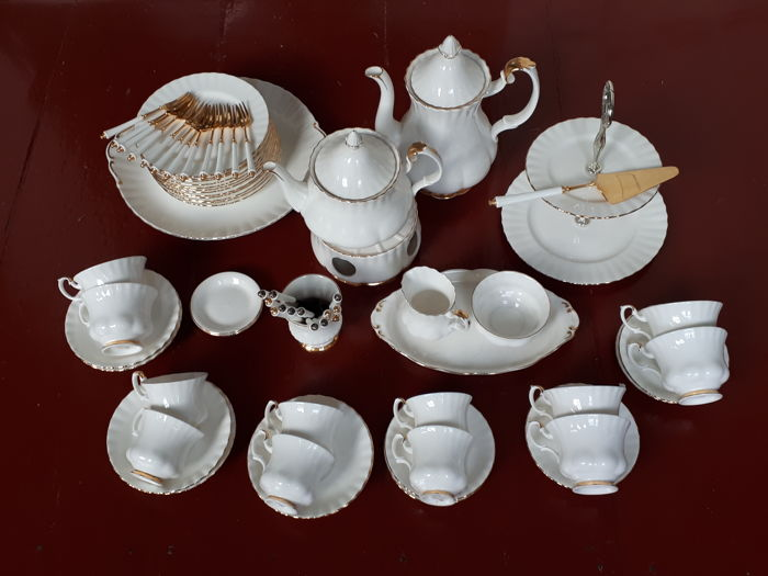 Royal Albert Servies Wit.Royal Albert Val D Or Crockery Fine Bone China Coffee Tea