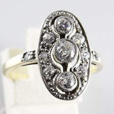 14 kt gold Art Deco ring with 11 Bolshevik cut diamonds, 0.60 ct in total