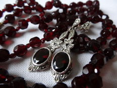 Antique Bohemian garnet necklace with matching dangle earrings