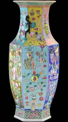 Huge and Rare Famile Rose Vase - China late 19 Century