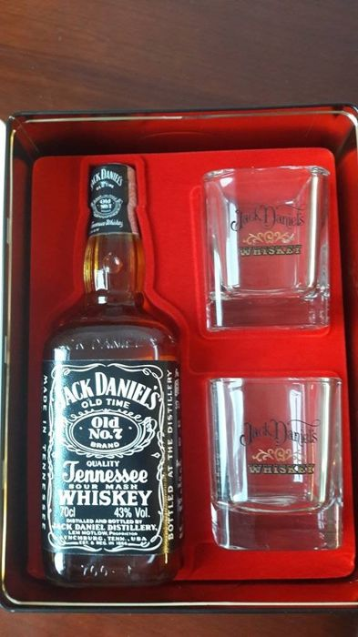 Jack Daniel's Gift set : Old No 7 with 2 glassen