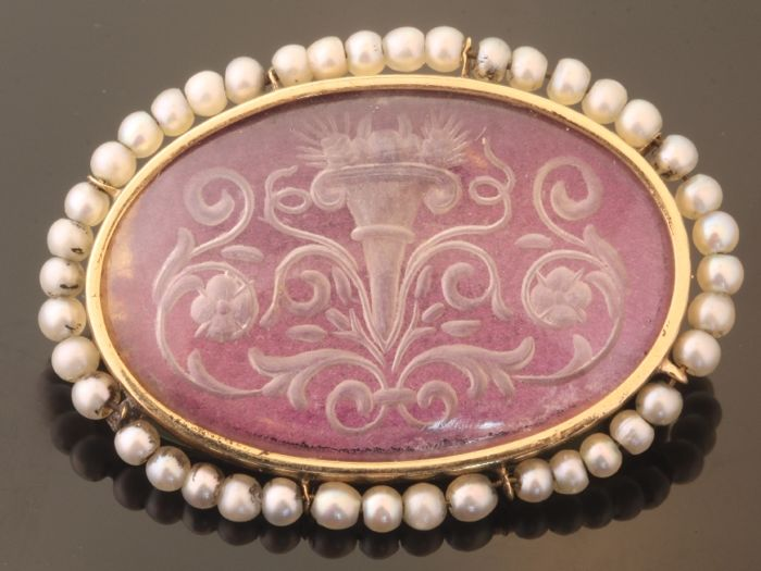Antique etched glass gold brooch with seed pearls, anno 1900 Austria/Hungary