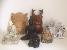 Lot of 7 different Buddhas
