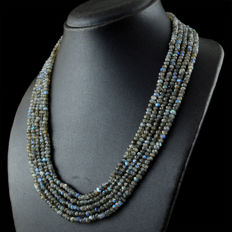 Labradorite necklace with 18 kt (750/1000) gold, length 50 cm