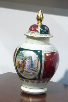 Ginger jar decorated with gold - 'JWK' Dec. Karlsbad - 38 cm