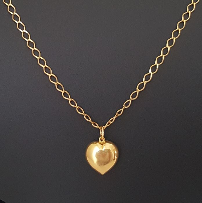 18 kt yellow gold necklace with heart shaped pendant length 41 18 kt yellow gold necklace with heart shaped pendant length 41 cm aloadofball Gallery
