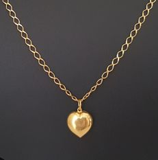 18 kt Yellow Gold - Necklace with Heart-shaped Pendant - Length: 41 cm - Size of the Pendant: 1.1 x 1.1 cm