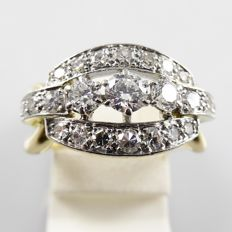 18 kt gold with platinum ring from the 1940s/1950s with 1.00 ct diamond