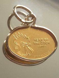 "Pendant ""Year of the cook"" 18 - 24ct Gold 1.12gr"