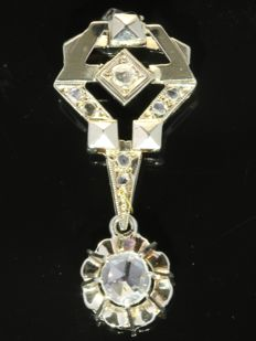 Pure geometrical Art Deco pendant with 8 rose cut diamonds, anno 1920