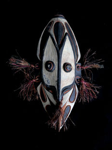 interesting wall mask - SEPIK RIVER - Papua New-Guinea